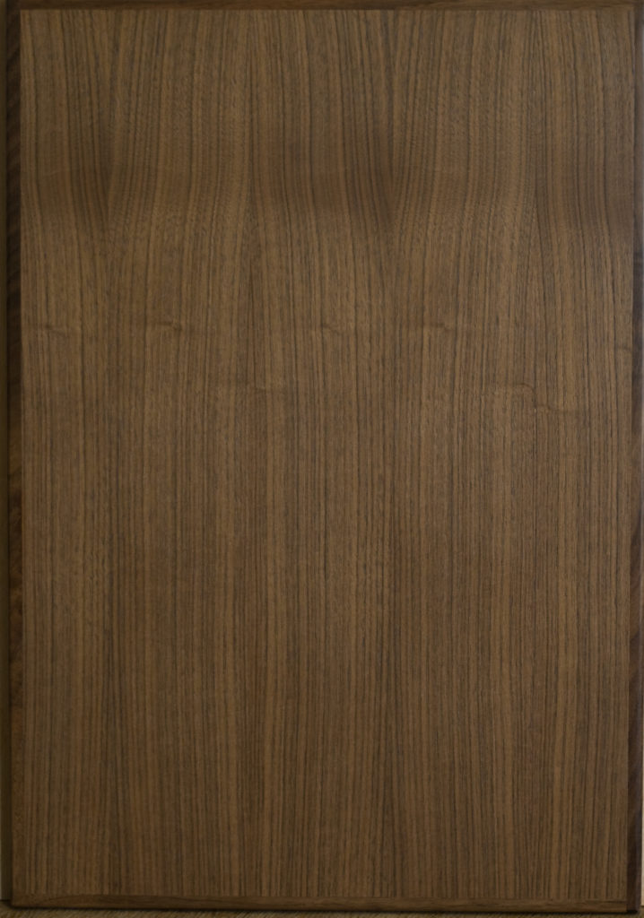 Slab door with timber edge - Walnut - Natural